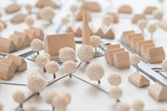 Detalj av en arkitektonisk modell av en by med kyrkan Fotografering för Bildbyråer