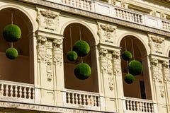 Detalj av en balkong med blom- designer Fotografering för Bildbyråer