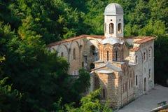 Detalj av en förstörd kyrka i Prizren, Kosovo fotografering för bildbyråer