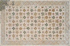 Detalj av en forntida färgrik mosaik Arkivbild