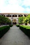 Detalj av en gammal dörr på den Batalha kloster fotografering för bildbyråer