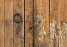 Detalj av en gammal medelhavs- dörr Fotografering för Bildbyråer