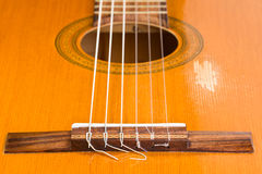 Detalj av en gitarr Arkivfoton
