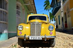 Detalj av en härlig amerikansk bil i Trinidad, Kuba Royaltyfria Foton