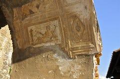 Detalj av en Herculaneum båge Arkivbild