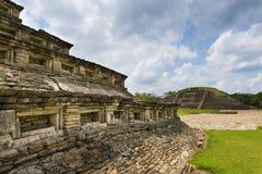 Detalj av en pyramid på den arkeologiska platsen för El Tajin i staten av Veracruz Fotografering för Bildbyråer