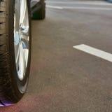 Detalj av en skönhet och ett snabbt sportcar Royaltyfria Bilder