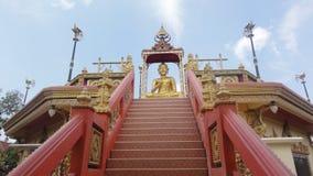 Detalj av en tempel i Thailand, Phuket, Wat Nai Yang arkivbild