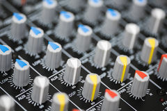 Detalj av en yrkesmässig blandande konsol Fotografering för Bildbyråer