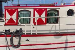 Detalj av ett gammalt seglingskepp i Monnickendam Arkivfoto