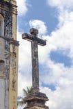 Detalj av ett kors från en forntida kyrka i Olinda, Recife, Braz arkivbilder