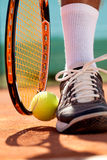 Detalj av ett tennisspelareben Royaltyfri Fotografi