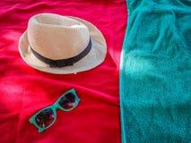 Detalj av färgrik strandtillbehör royaltyfri foto