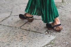 Detalj av för Gucci för skor utvändig byggnad modeshow för kvinnors modevecka Fotografering för Bildbyråer