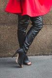 Detalj av för Scervino för skor utvändig byggnad modeshow i Milan, Royaltyfri Bild