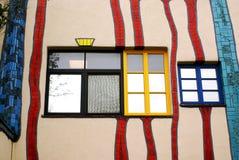 Detalj av fasadkafét på huvudvägen Wien-Italien Archien arkivbild
