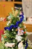 Detalj av julgrangarneringar royaltyfria bilder