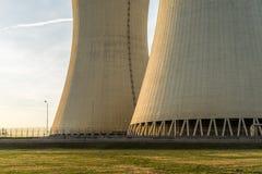Detalj av kärnkraftverket svalningstorn Royaltyfri Foto