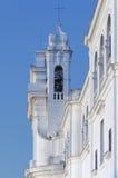 Detalj av klockatornet av basilikafristaden av Santa Maria del Pozzo Royaltyfri Bild