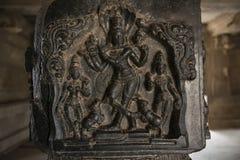 Detalj av kolonnen av den hinduiska templet, Hampi, Indien Arkivbild