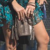 Detalj av påsen på veckan för mode för Milan Women ` s Arkivbild