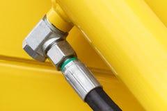 Detalj av pneumatiskt eller hydrauliskt maskineri som g?ras av st?l-, teknologi- och teknikbegrepp arkivfoton