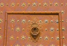 Detalj av porten av domkyrkan av Tarragona i Spanien Arkivfoton