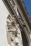 Detalj av stenängeln som snider på Arc de Triomphe, Paris, Frankrike royaltyfria foton