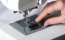 Detalj av symaskinen Arkivbilder