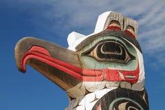 Detalj av totempålen i Alaska. arkivbilder