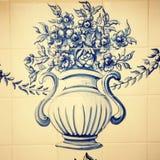 Detalj av typiska gamla Portugal tegelplattor (azulejos) royaltyfria bilder