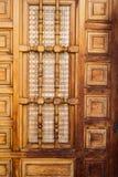 Detalj för Closeup för trä för tappningdörrarkitektur arkivfoto