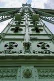 Detalj för pelare för Budapest frihetsbro royaltyfri fotografi