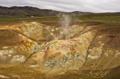 Detalj från Krafla vulkaniskt område med kokande mudpots Fotografering för Bildbyråer