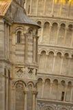 detalj som lutar det pisa tornet Royaltyfri Foto
