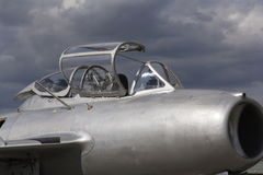 Detaljen av den Mikoyan-Gurevich MiG-15 för strålkämpeflygplan cockpiten framkallade för Sovjetunionenet Arkivbild