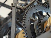 Detaljen av gamla rostiga kugghjul, överföring rullar Arkivfoton