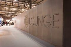 Detaljen av köparna är slö på HOMI, internationell show för hem i Milan, Italien Royaltyfri Bild