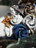 Detaljen av pappers- origami blommar buketten royaltyfri fotografi