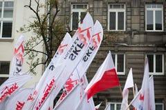 Detaljen av solidarnoscen sjunker under en demonstration i Warszawa Royaltyfri Fotografi