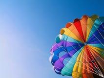detaljen hoppa fallskärm royaltyfri bild