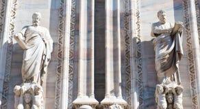 Detaljen skulpterar domkyrkan Milan Royaltyfria Bilder