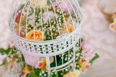 Detaljer av bröllopgarneringar Arkivfoton