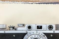 Detaljer av den antika klassiska kameran och den gamla fotocloseupen Arkivbilder
