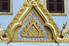 Detaljer av den främre gaveln av Wat Yannawa i Bangkok, Thailand, Asien royaltyfri fotografi