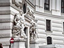 Detaljer av den Hofburg slotten i det Wien centret arkivfoton