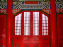Detaljer av den kinesiska templet för dörr i Hualien, Taiwan Royaltyfri Fotografi