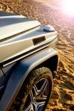 Detaljer av den moderna av-väg lyxbilen Royaltyfria Foton