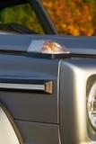 Detaljer av den moderna av-väg lyxbilen Arkivbilder