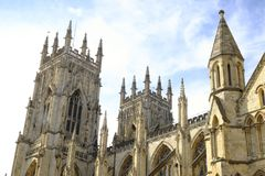 Detaljer av den York domkyrkan som kallas också York domkyrka royaltyfria bilder